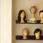Kunsthaarperücken und Kopfbedeckungen