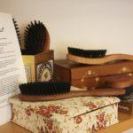 Naturhaarbürsten mit Wildschweinborsten oder vegan zur Pflege der Kopfhaut und bei Alopezie